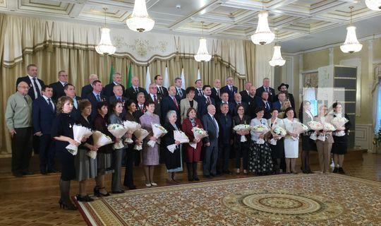 Рустам Минниханов вручил госнаграды России и Татарстана 46 выдающимся жителям