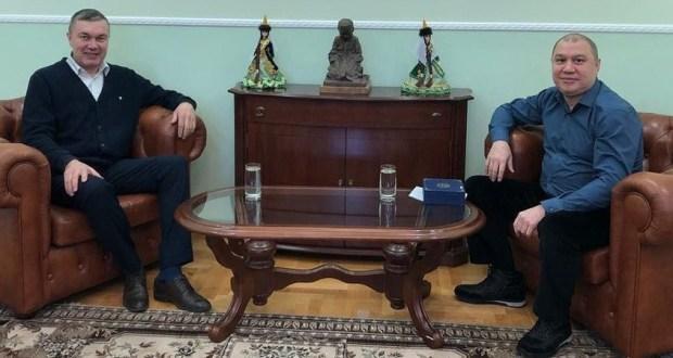 Ренат Валиуллин провел встречу с председателем организации «Татарское культурное общество «Файда» Айратом Маннановым