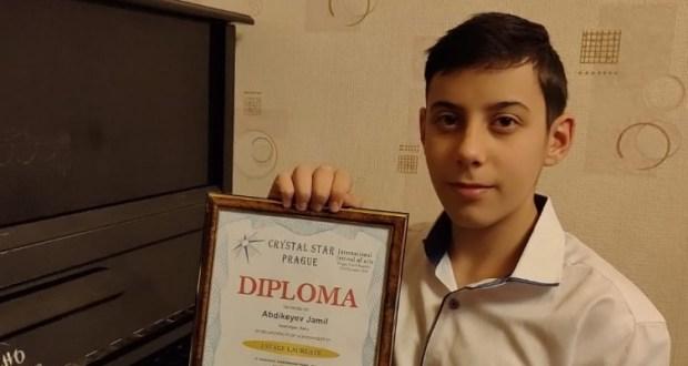 Джамиль Абдикеев победил в конкурсе пианистов