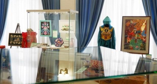 В краеведческом музее Астрахани открылась татарская выставка из Елабуги