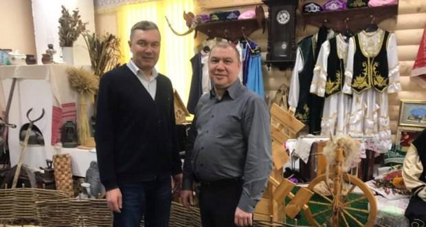 Постоянный представитель РТ Ренат Валиуллин посетил интерактивный музей татарской культуры и быта