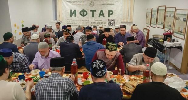 """Благотворительный фонд """"Закят"""" организует ифтары в районах Татарстана"""