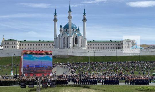 Рөстәм Миңнеханов: Совет халкының бөек батырлыгы безнең йөрәкләрдә мәңге сакланыр
