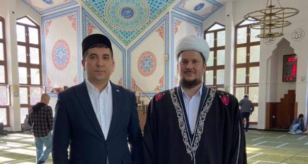 Danis Shakirov took part in a festive prayer in the Cathedral Mosque of Rostov-on-Don