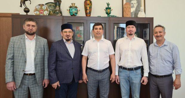 Данис Шакиров Пенза һәм Саратов өлкәләре вәкилләре белән очрашты