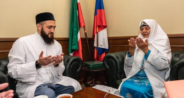 Муфтий Татарстана наградил Сайду абыстай Аппакову медалью за вклад в развитие духовных ценностей Ислама