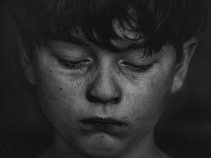 Tres lágrimas escondidas