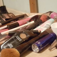 Make-up fiasco storage