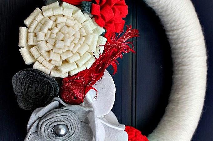 Make a Holiday Felt Flower Wreath {Christmas Tutorial}!!