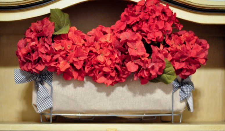 Get Organized in 2012 — Make DIY Canvas Bow Basket Liners for under $5 each!!