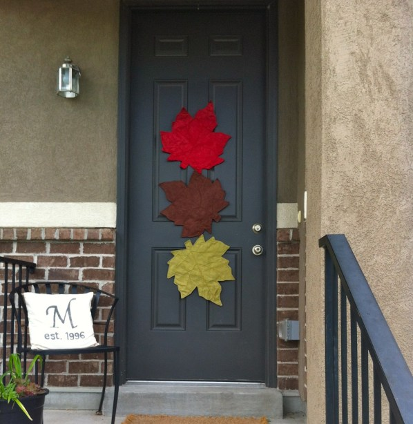 Fall Door Displays: 21 Fall Door Decor Projects