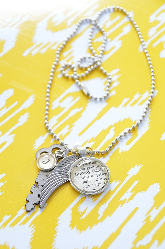 krafty kash giveaway my necklace