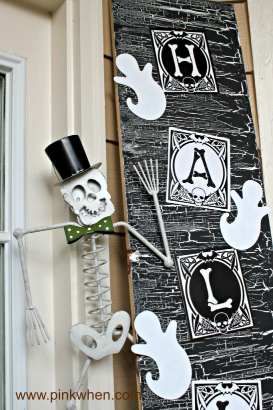 Halloween-Door-Decor-spookyspaces