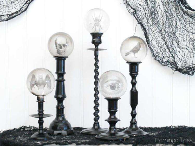 Spooky-Candlestick-Display