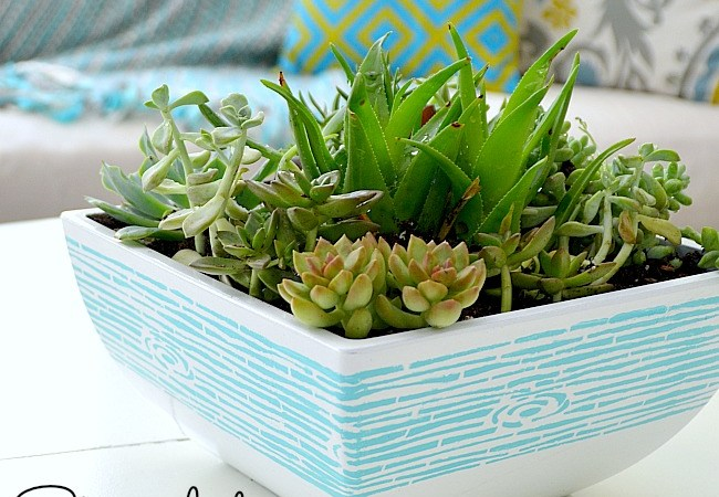 5 Tips to Stenciling an Outdoor Planter!