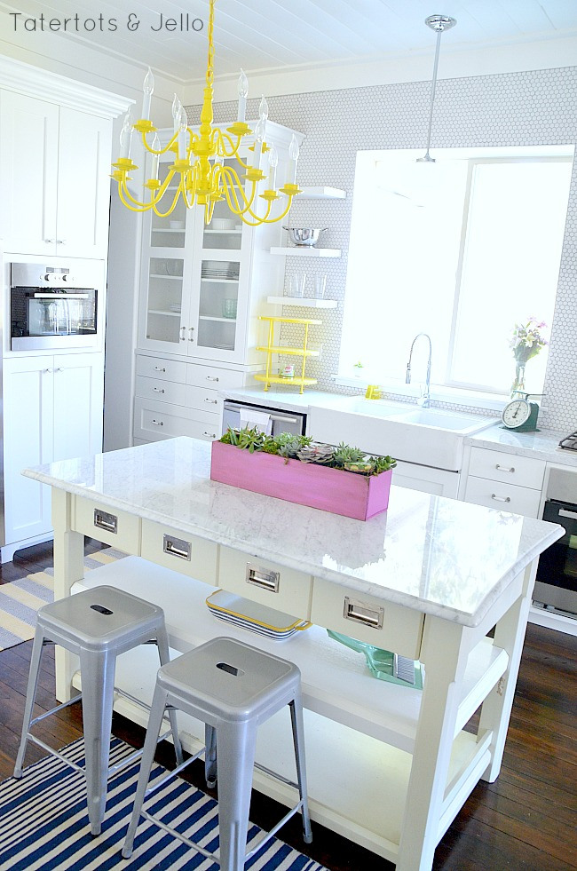 how to pick the perfect tile backsplash for your kitchen
