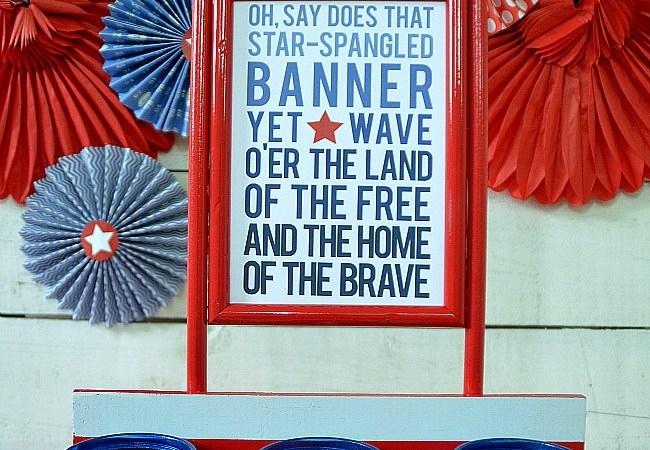 Patriotic Centerpiece Project and Free Printables!
