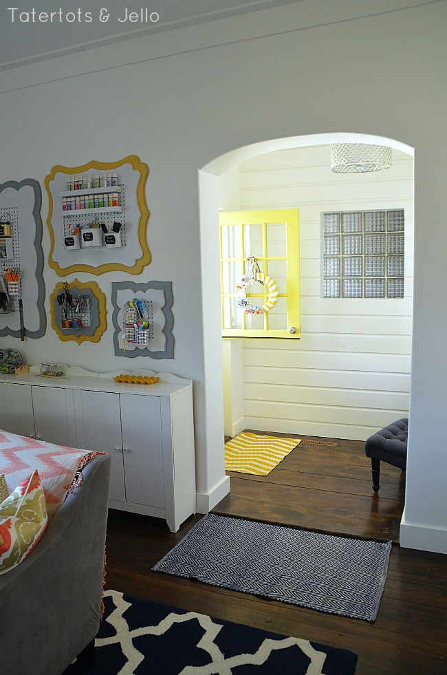 tatertots and jello 1905Cottage entryway