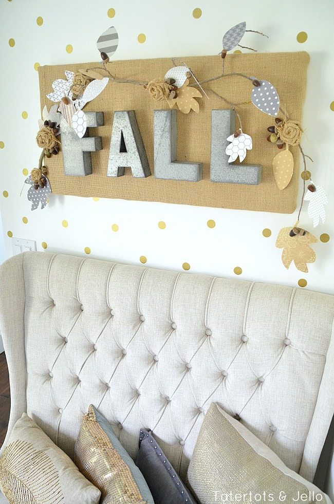 fall burlap wall hanging at tatertots and jello