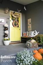 "Easy Halloween ""Bat"" Porch Decor"