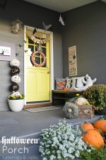"Easy Halloween ""Bat"" Porch Decor"