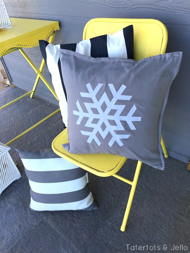 snowflake pillow DIY at tatertots and jello