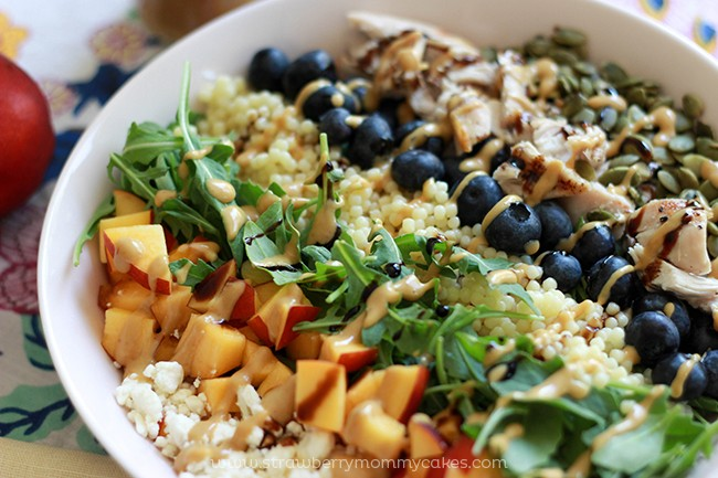 Nectarine-and-Blueberry-Summer-Salad-Recipe-9-650x433