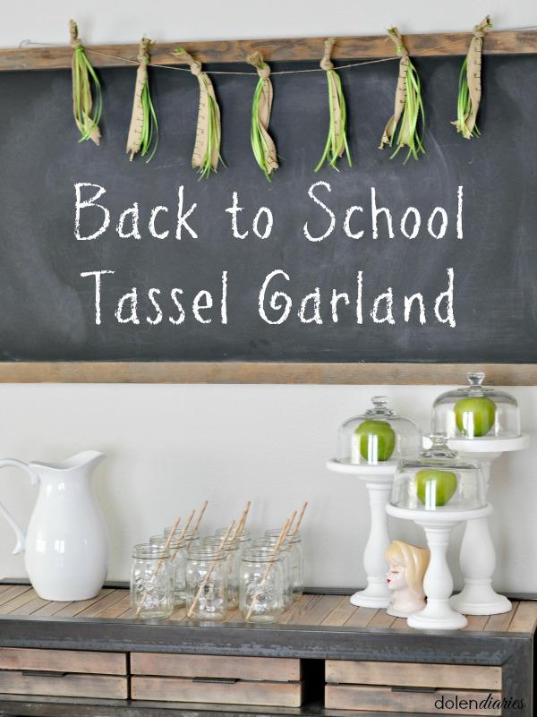 Back-to-School-Tassel-Garland-Title