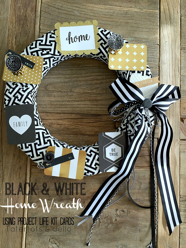 black and white home wreath using project life cards