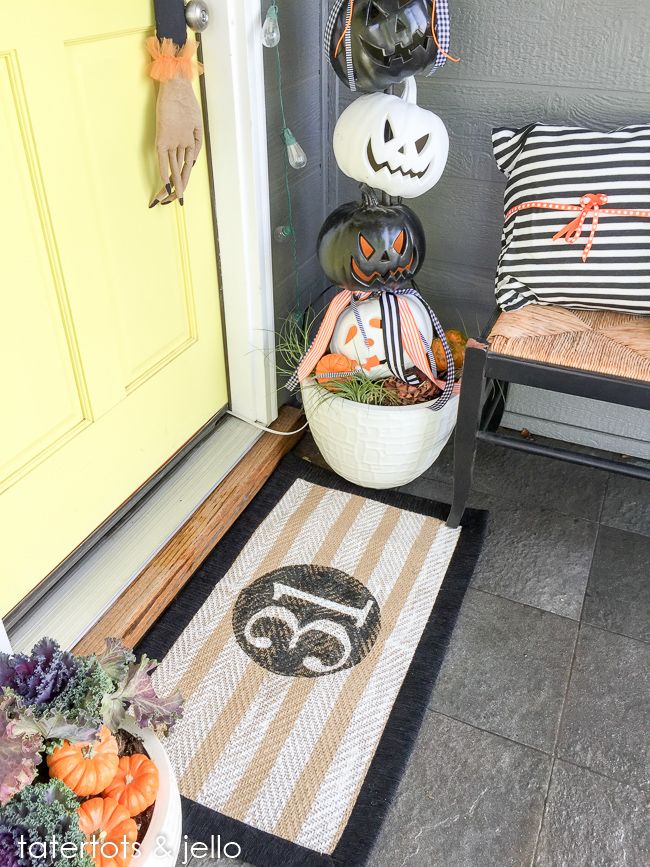 painted halloween rug in less than a hour