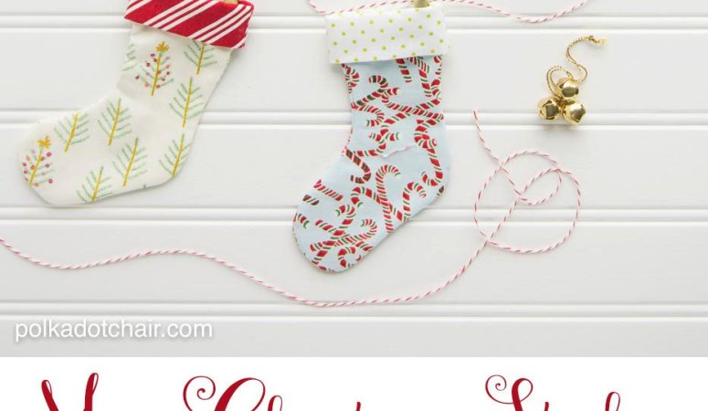 Happy Holidays: Mini Christmas Stocking Garland