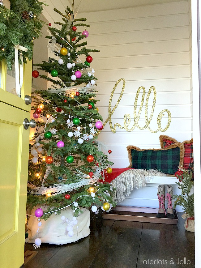 Green And White Christmas Porch And Entryway At The 1905 Cottage Tatertots And Jello