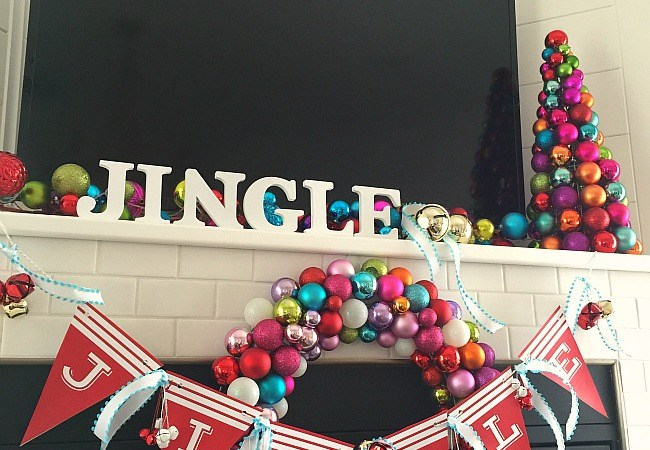 "Family Holiday Movies and ""Jingle"" Party Banner and Printables"