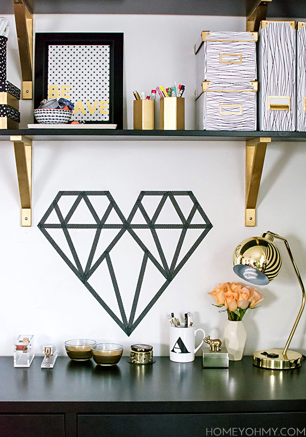 ways to decorate with black and white
