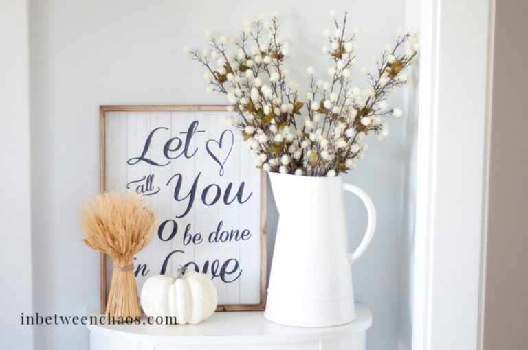 Neutral Fall Decor | inbetweenchaos.com