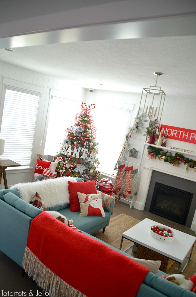santa north pole christmas tree and decorating ideas