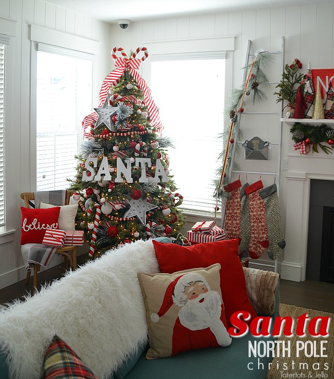 Santa north pole christmas tree and decorating ideas Sample christmas tree decorating ideas