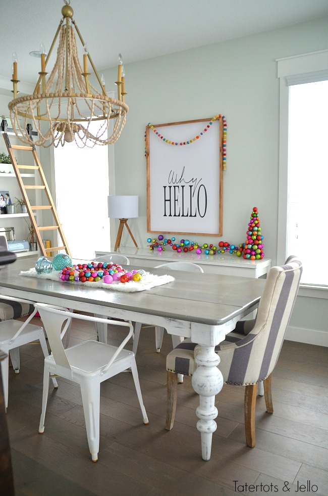 wood-and-color-christmas-dining-room