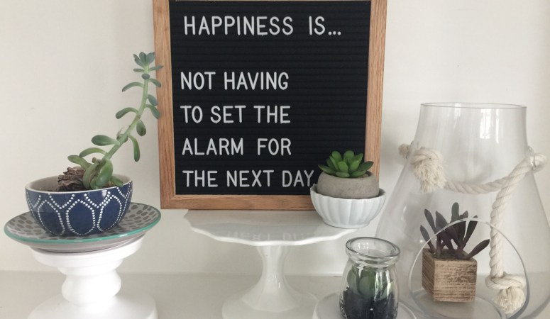 Best Friday Features — and Retrogram Boards Letterboard Giveaway!