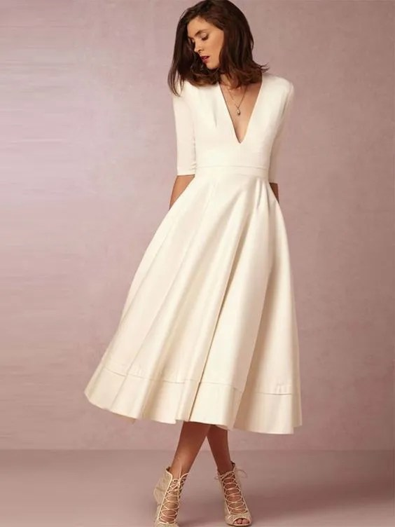 20 Wedding Dresses for a Second Wedding, Courthouse Wedding