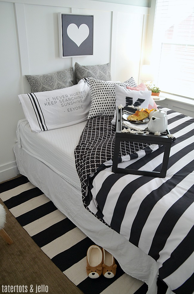 Black and White Kids Bedroom Ideas and Printables