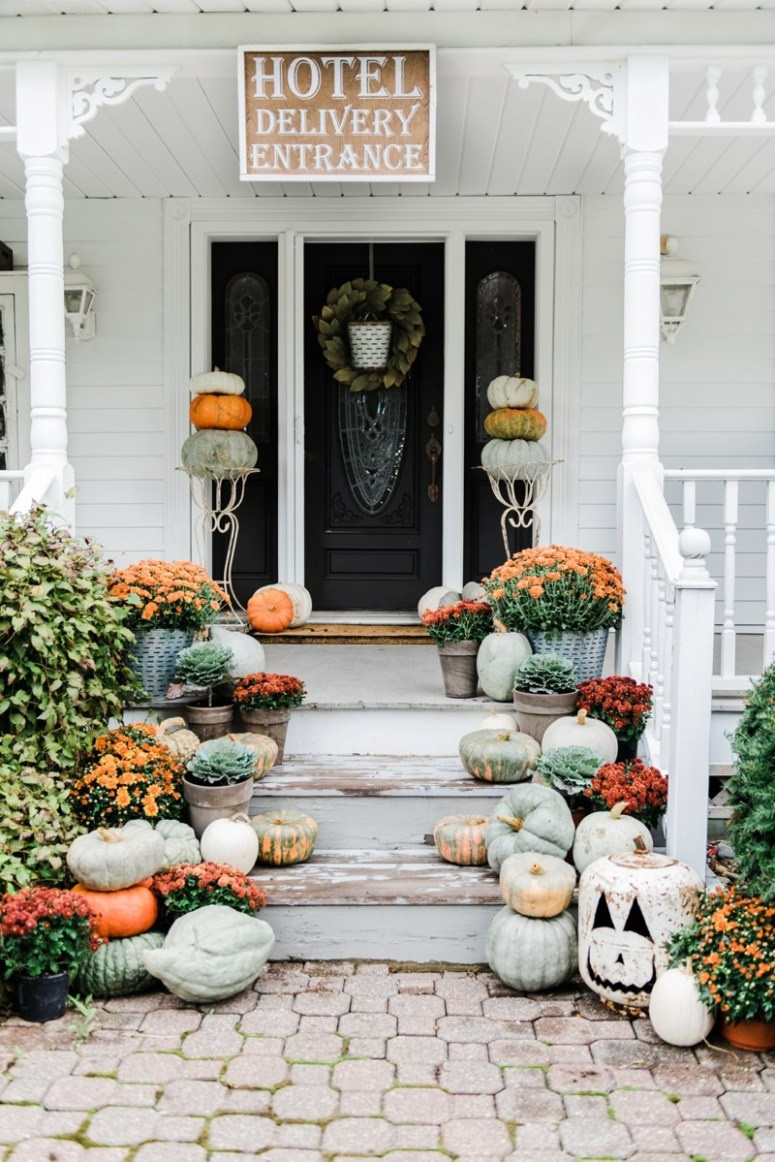 Another gorgeous fall porch from Liz Marie Blog.