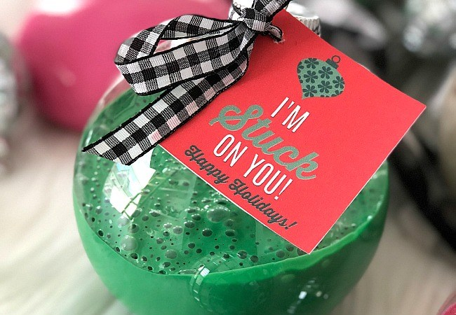 Slime Holiday Ornaments – a great craft and gift idea for kids and tweens!