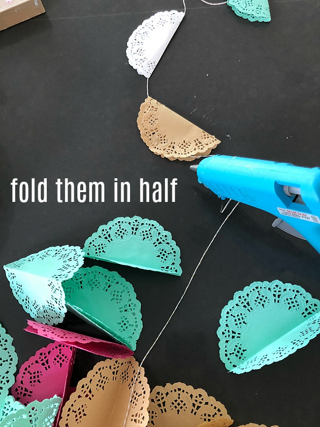 5 Minute Spring Doily Garland - brighten up your home!