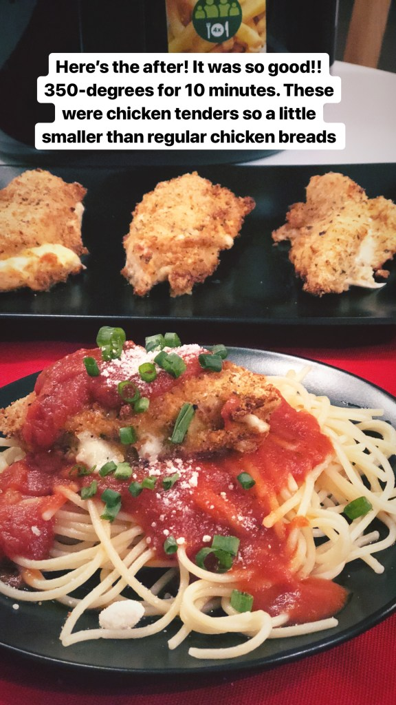 10-minute Chicken Parmesan using the Airfry machine. Much healthier than traditionally fried chicken parmesan. Crispy on the outside, moist on the inside with gooey cheese and a topping of tomato sauce. Yum!
