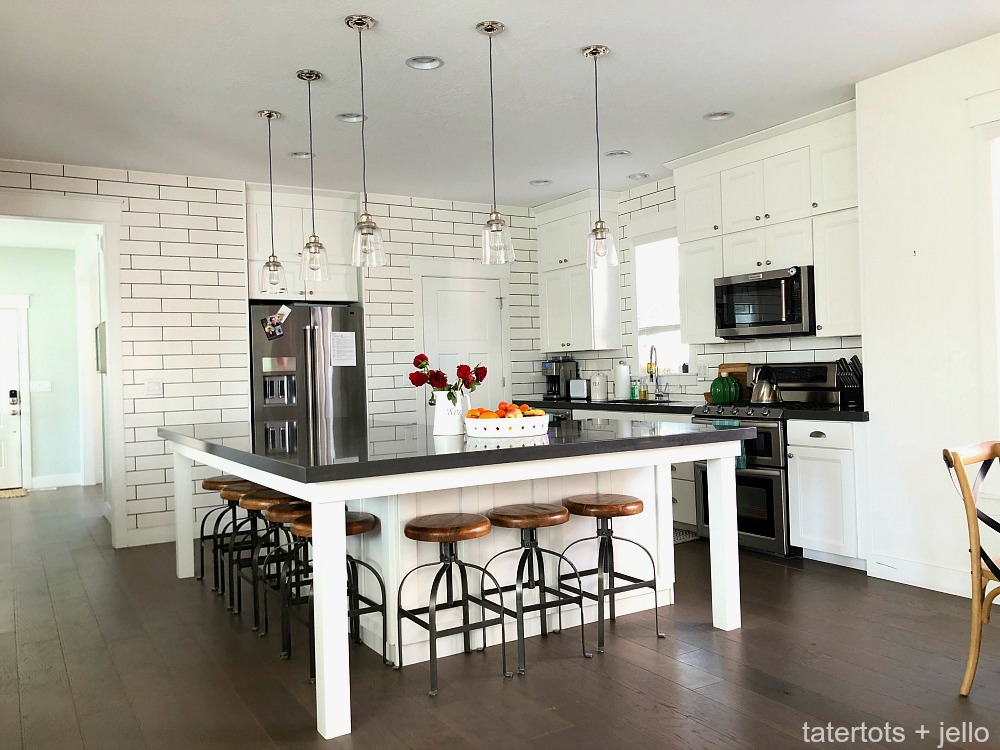 & How to pick the perfect kitchen backsplash tile!