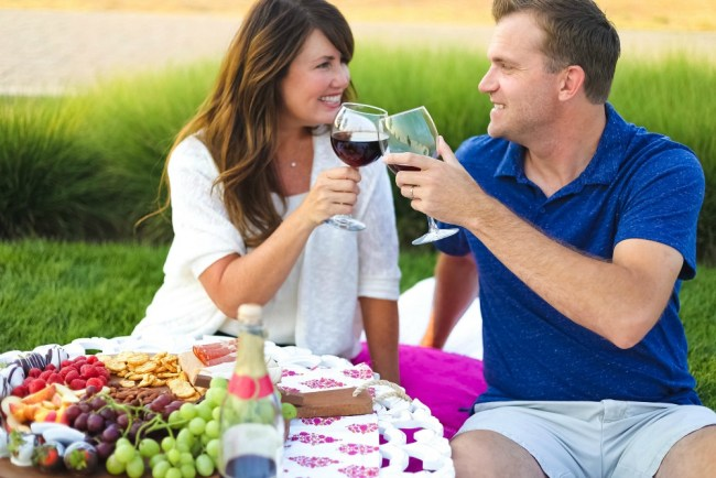 romantic date night picnic ideas