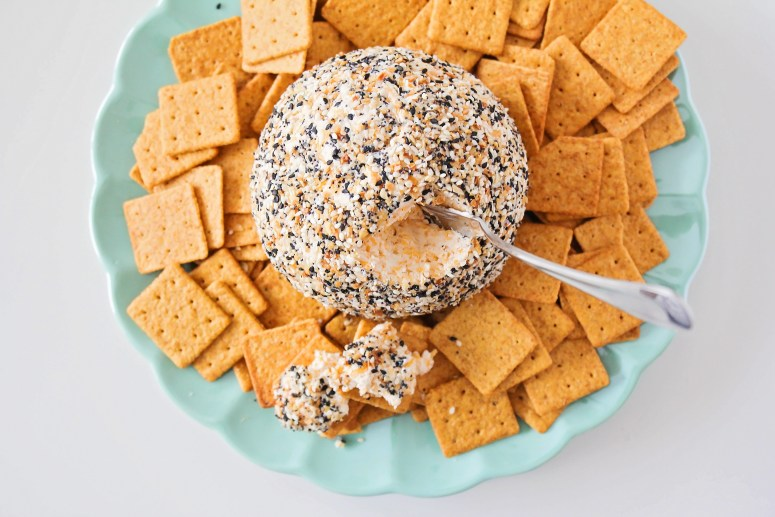 everything bagel seasoning cheese ball recipe