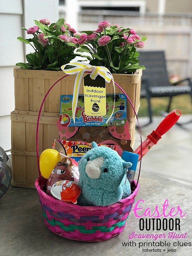 outdoor scavenger hunt game with printable clues