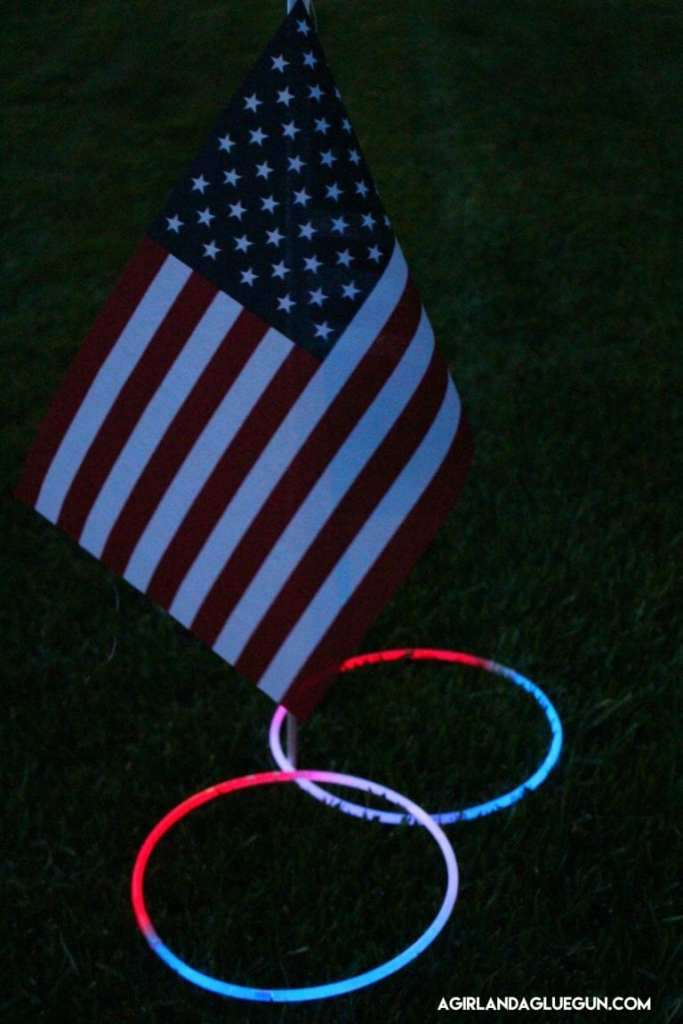 4th of July Glow in The Dark Ring Toss @ A Girl & A Glue Gun